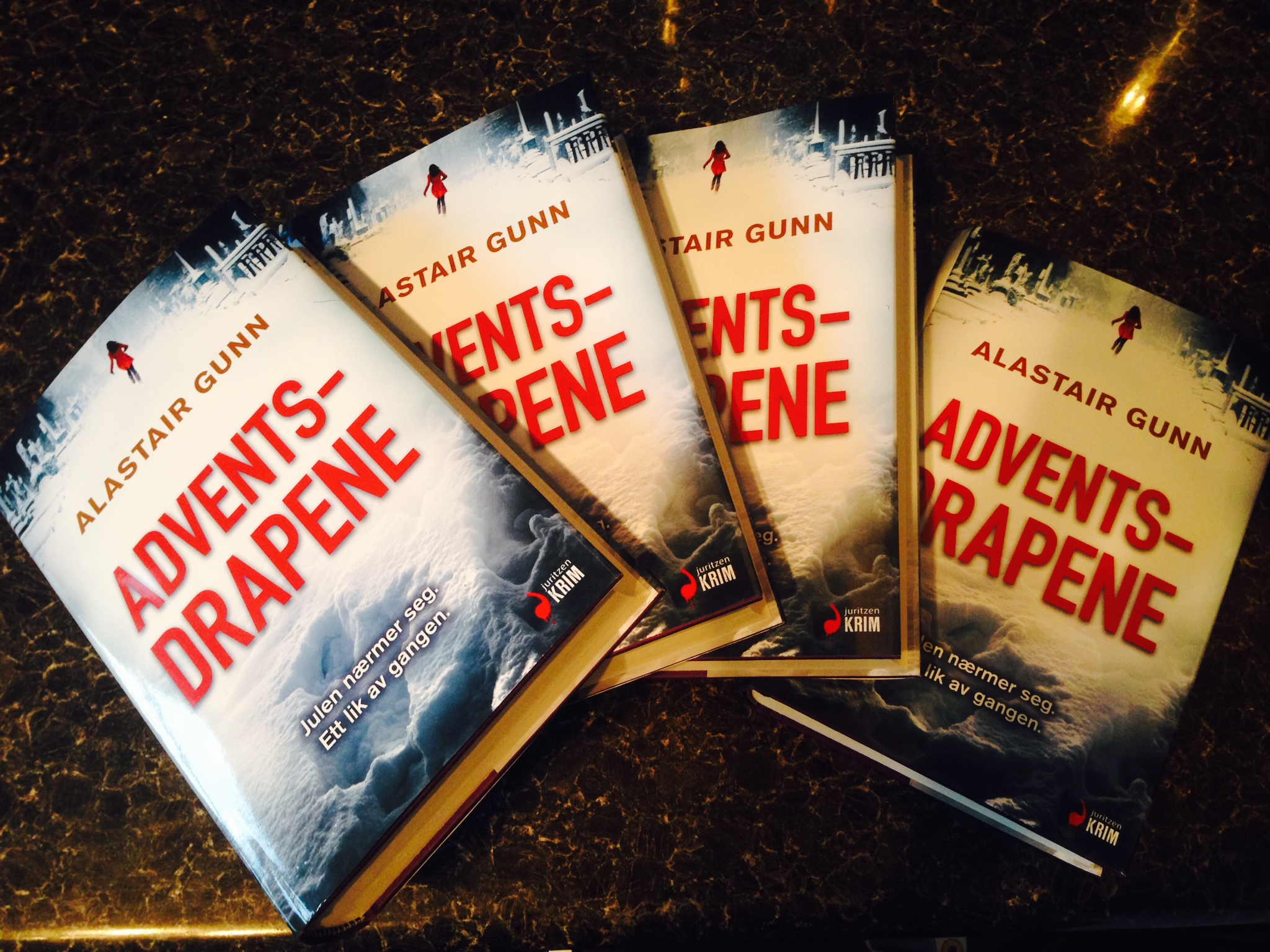 Adventsdrapene hardbacks